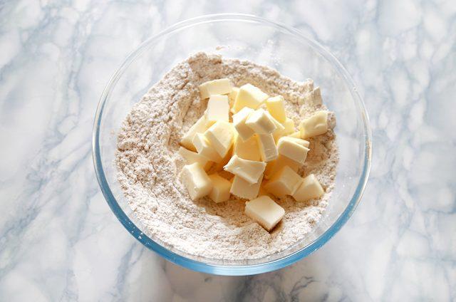 biscotti-nocciole-e-cioccolato-step2