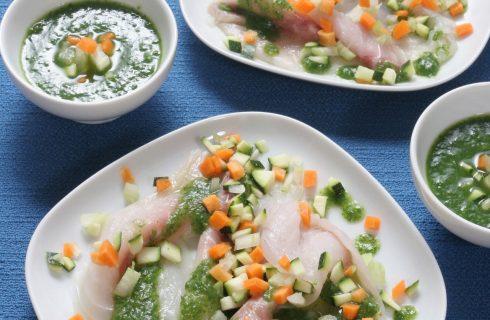 Carpaccio di ricciola con pesto di prezzemolo e verdure al bimby