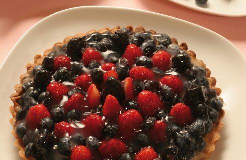 Crostata alla crema con fragole e frutti di bosco al bimby