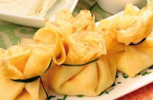 Fagottini di crêpe con formaggio e zucchine al bimby
