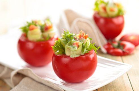I pomodori ripieni di panzanella con la ricetta facile e veloce