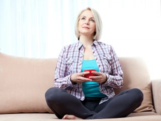 La dieta ideale da seguire in menopausa: 10 consigli per rimanere in forma