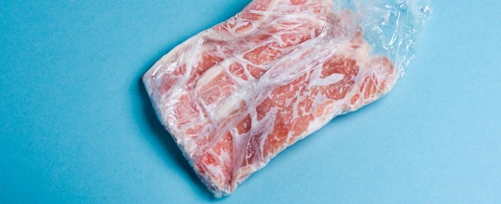 Come scongelare la carne senza correre rischi