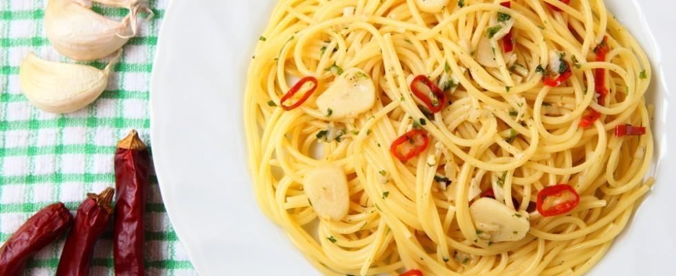 Spaghetti aglio, olio e peperoncino: le origini della ricetta