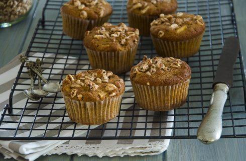Muffin alle mele e farro, per una colazione salutare