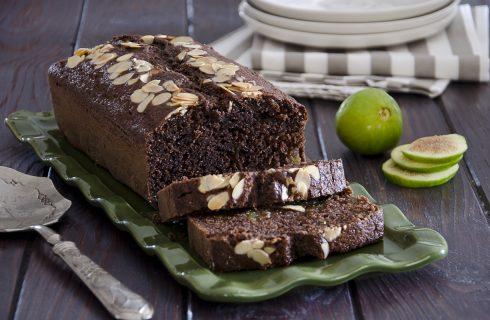 Plum cake fichi e cioccolato: dolce per settembre