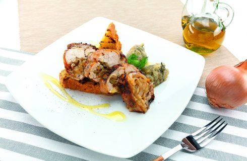 Galletto porchettato al barbecue, con salsa di melanzane e pan brioche