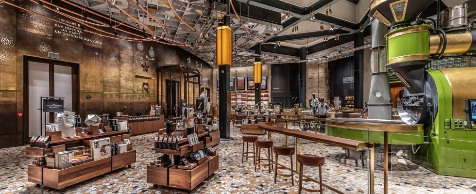 Milano: com'è Starbucks, aperto da domani in piazza Cordusio
