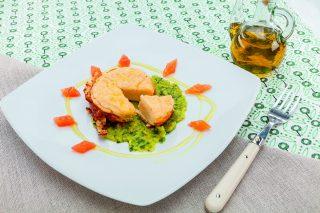 Tortino di salmone con crema di zucchine al barbecue