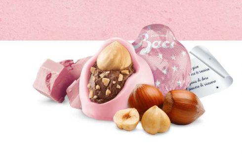 Tutti pazzi per i Baci Perugina Rosa, i cioccolatini in edizione limitata