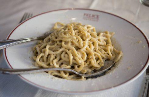 Guida di sopravvivenza per i romani a Milano: 8 locali dove si mangia come nella Capitale