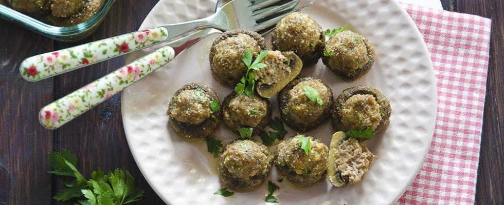 Champignon ripieni di carne: per l'aperitivo