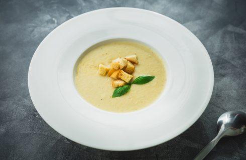 La ricetta della crema di cavolfiore e patate