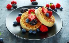 Come fare i crumpets inglesi, le focaccine per brunch e merende