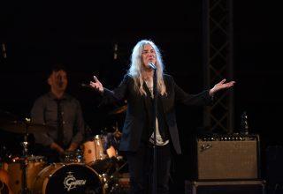 La famiglia Ceretto promuove l'arte con Patti Smith e Lynn Davis