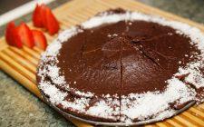 La ricetta della torta con latte di cocco e cioccolato vegan
