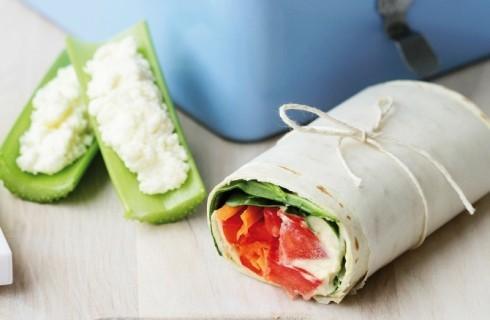 Wrap con stracchino, lattuga e pomodoro al bimby