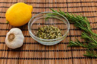 Misto aromi per il barbecue, erbe e limone