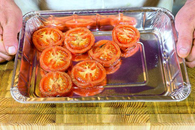 moscardini-al-barbecue-con-salsa-di-pomodori-arrostiti-e-porro-fritto-a1887-5