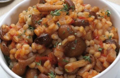 Orzo con chiodini, patate e pomodoro al bimby