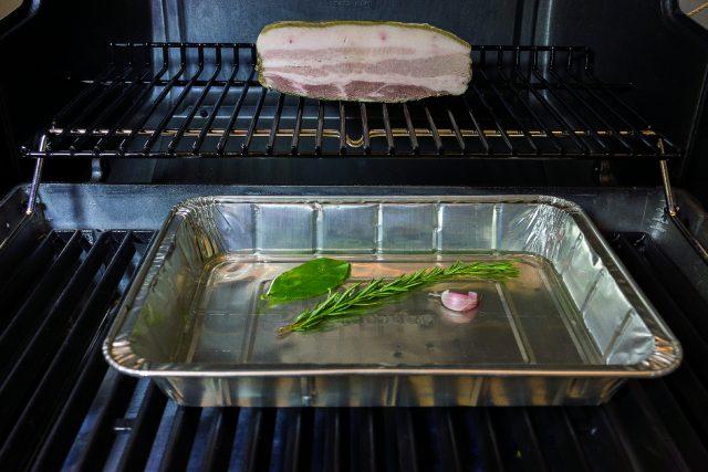 pancetta-croccante-al-barbecue-con-peperoni-grigliati-a1884-2