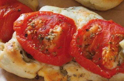 Pane alle olive con pomodori e origano al bimby