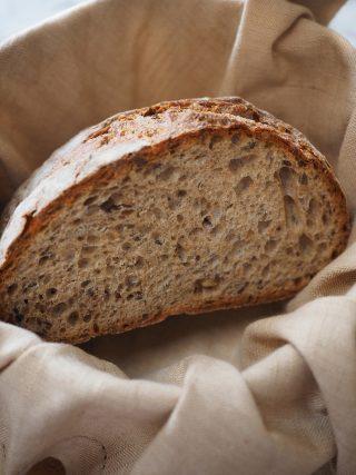 Pane di segale con semi di lino e di girasole al bimby