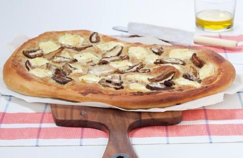 Pizza con funghi porcini e formaggio brie al bimby