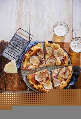 Pizza con prosciutto, pere e fontina al bimby