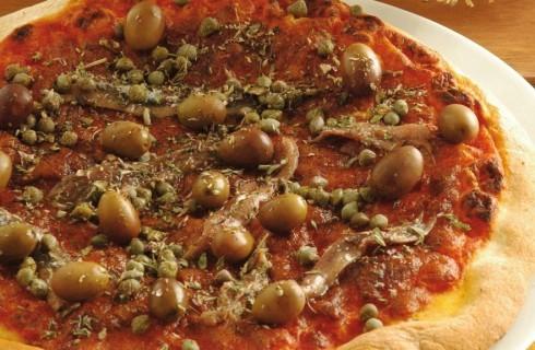 Pizza siciliana con acciughe, capperi e olive al bimby