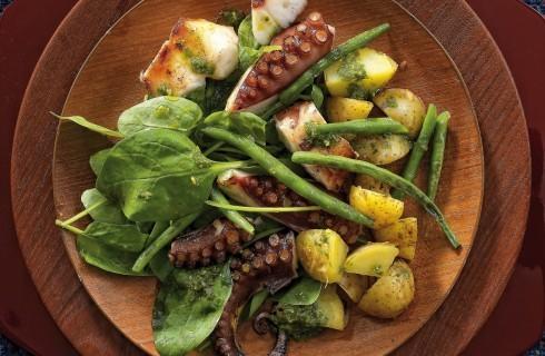 Polpo con patate, fagiolini, spinaci e pesto al bimby