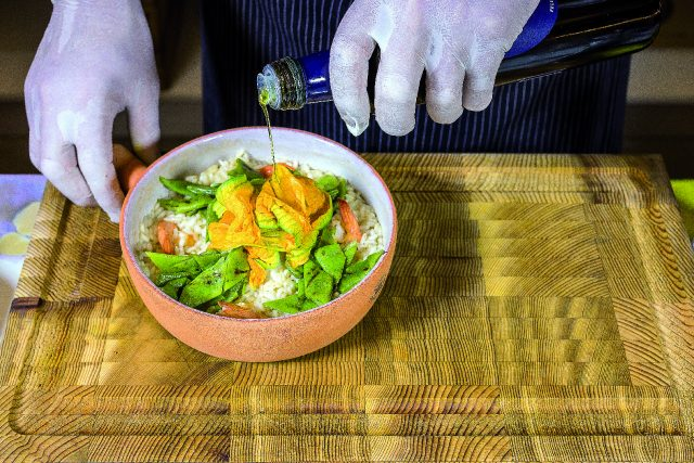 riso-pilaf-con-mazzancolle-fiori-di-zucca-e-taccole-grigliate-a1863-12