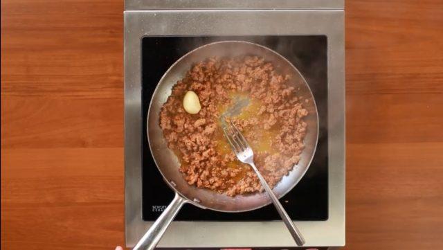 sbriciolata-patate-e-salsicce-step-3