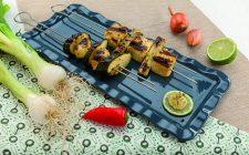 spiedini-di-tofu-al-barbecue-con-verdure-e-salsa-al-prezzemolo-a1964-5