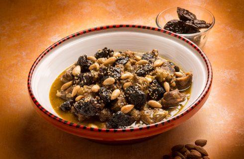 Tajine di manzo alle prugne: seguiteci in Marocco