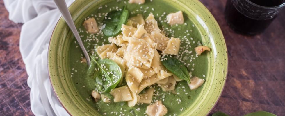 Maltagliati in crema di spinaci e pollo: irregolari nella forma, invidiabili nel gusto