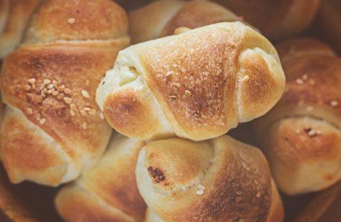 La ricetta dei mini panini farciti per l'aperitivo