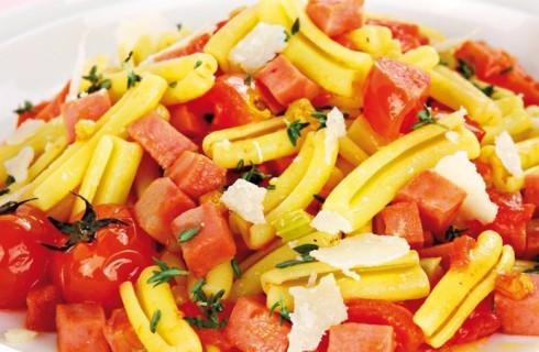 Pasta con pomodorini, mozzarella e mortadella al bimby