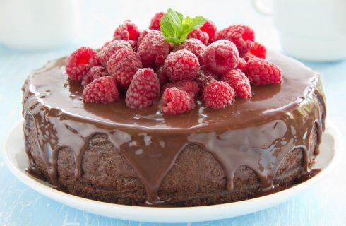 La torta cioccolato e lamponi con la ricetta di Benedetta Parodi