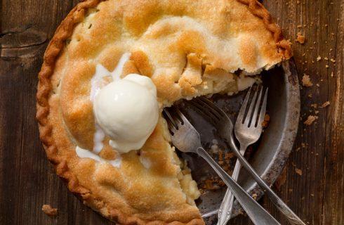 Torta di mele con crema al mascarpone, la ricetta della Prova del cuoco