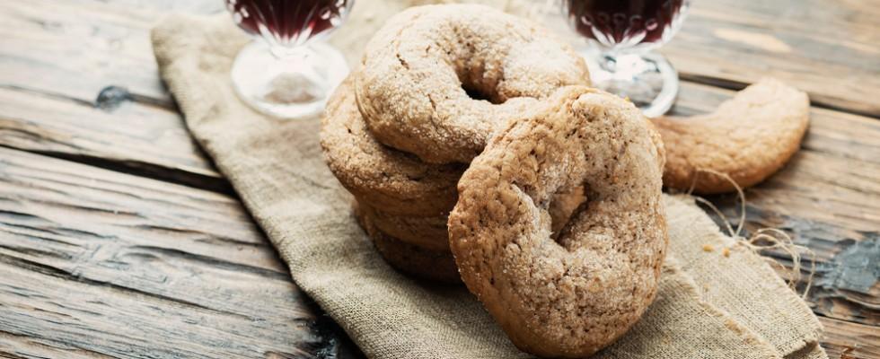 Ciambelline al vino: il biscotto contadino dal profumo inconfondibile