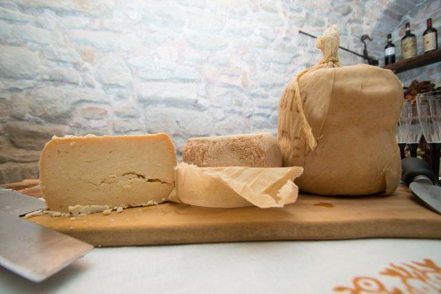 formaggio-di-fossa-min