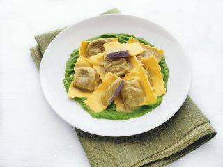 Ravioli di patate viola con crema di zucchine al bimby