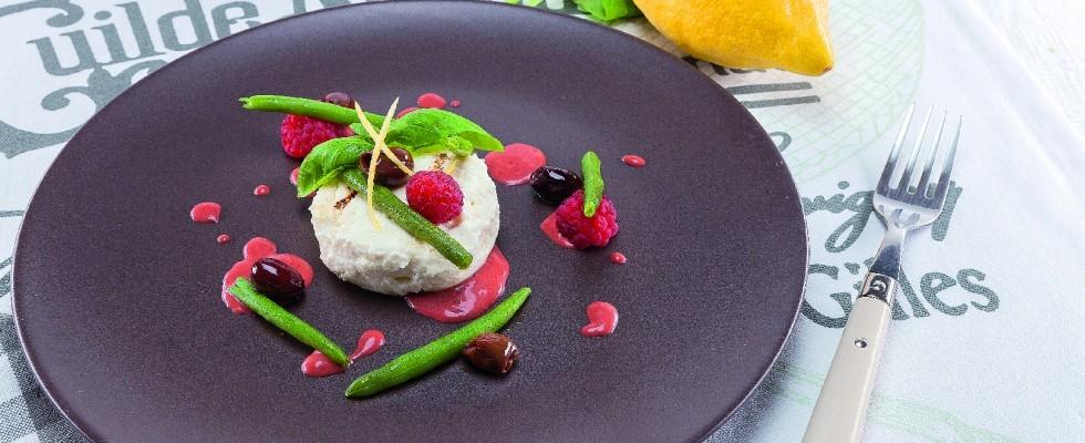 Ricotta al limone, fagiolini e olive al barbecue