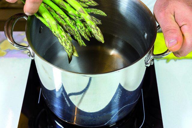 roastbeef-tradizionale-con-insalata-di-asparagi-e-scalogni-confit-a1878-4
