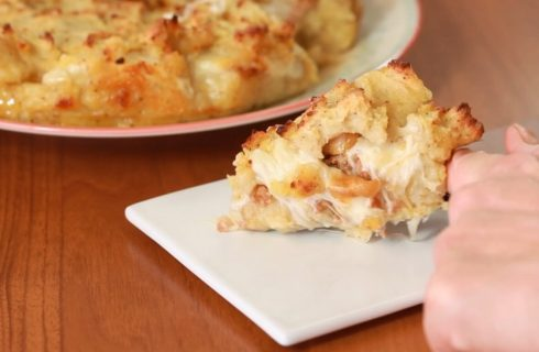 Sbriciolata di patate e salsicce piccanti: un classico autunnale