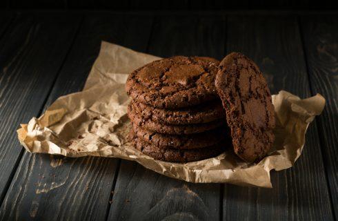 I biscotti al cioccolato fondente e rum con la ricetta golosa