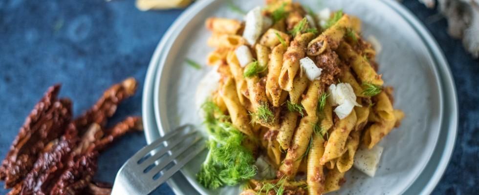 Garganelli con finocchi e crema di pomodori secchi: ideali per l'autunno