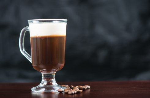 Come preparare l'irish coffee analcolico