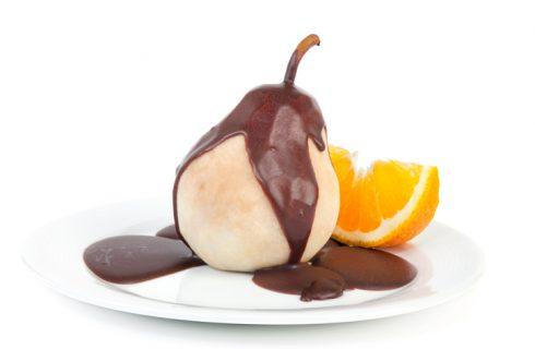 Pere al cioccolato al microonde, la ricetta veloce